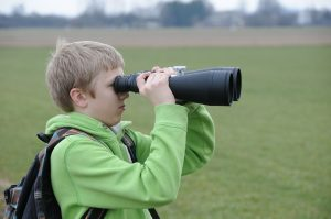 binoculars-485855_1920