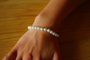 bracelet-737103_640