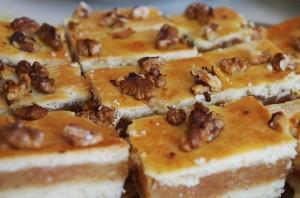 cakes-1081481_640