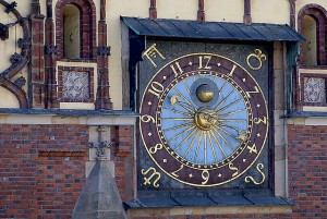 clock-922379_640