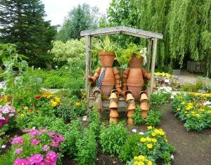 garden-265412_640