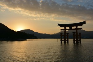 shrine-1030442_640