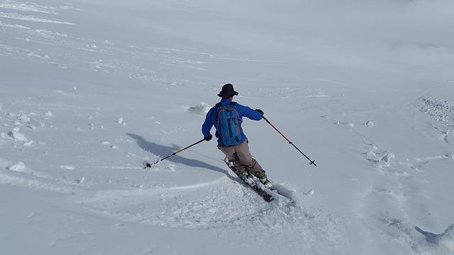 skiing-1343307_640